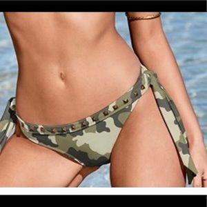 Venus Camo Bikini Swimsuit Bottoms size 10